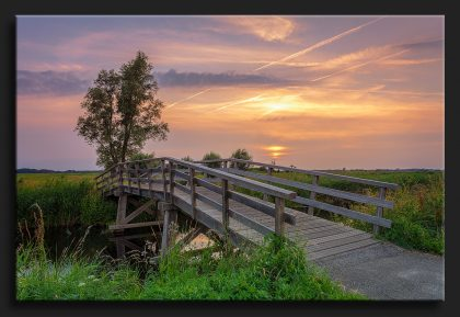 Sandebuur Zonsondergang met Brug - Sunset Landscape with wooden bridge