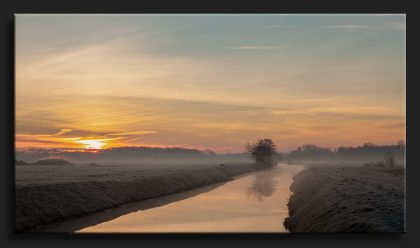 Zonsopkomst Roderwolde in de mist - Sunrise in the fog